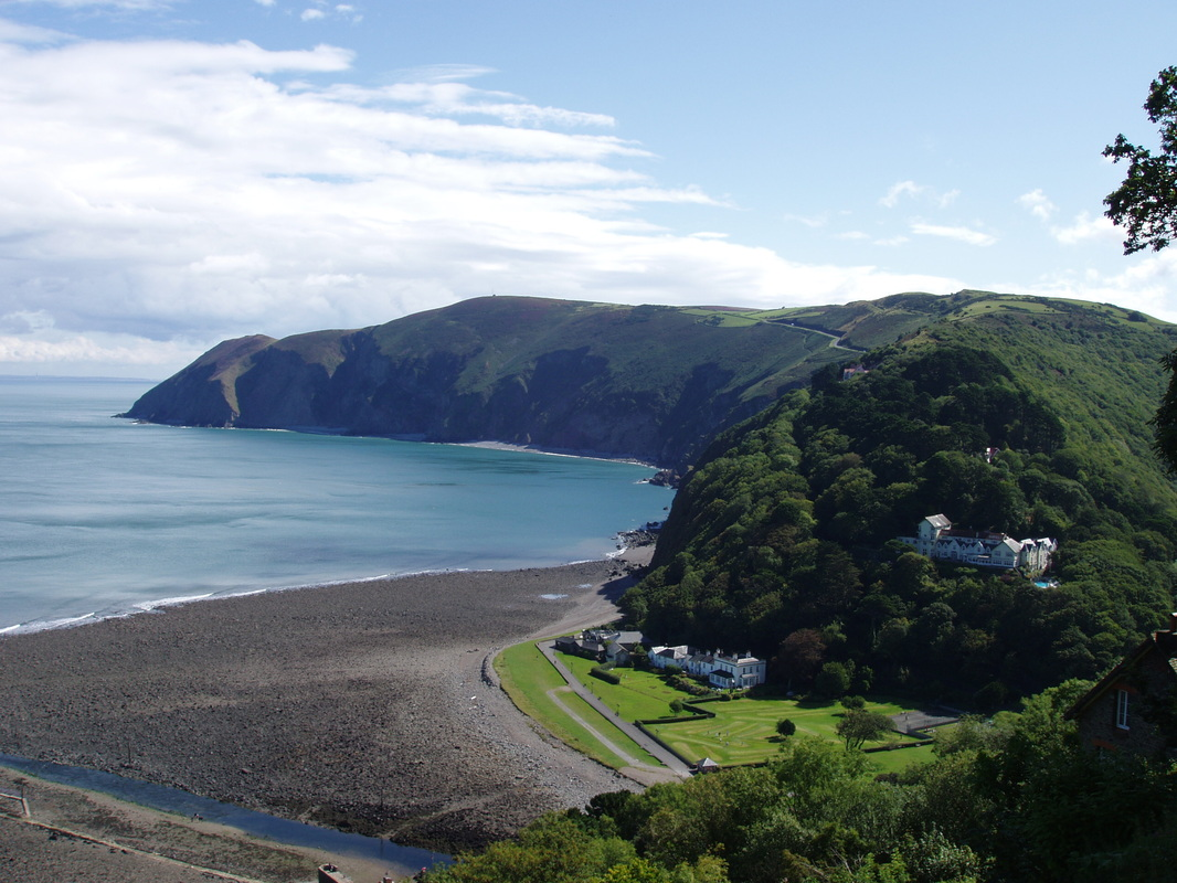 Picture-of-Lynmouth-beach-from-the-cliffs