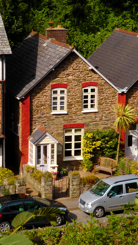 Picture-of-the-front-view-of-No-13-a-Holiday-Cottage-in-Lynmouth-Devon
